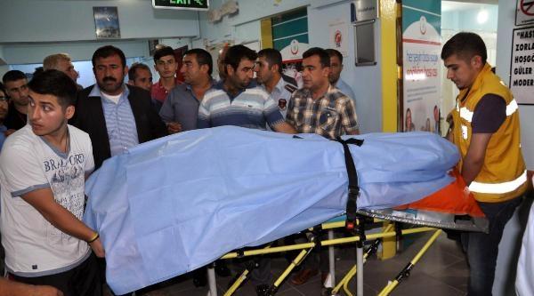 Silopi'de İnşaattan Düşen İşçi, Diyarbakır'a Hastaneye Götürülürken Öldü