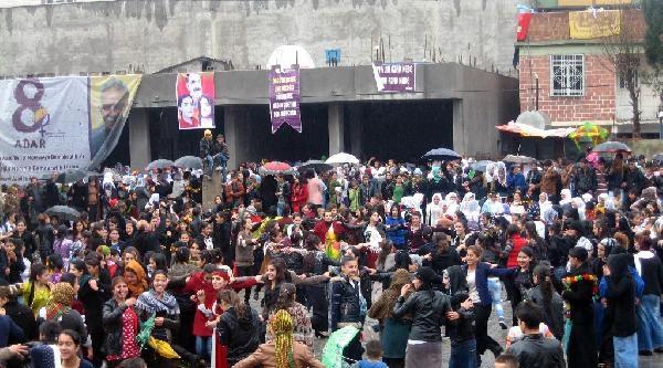Silopi'de Olaylı Kadınlar Günü Kutlaması
