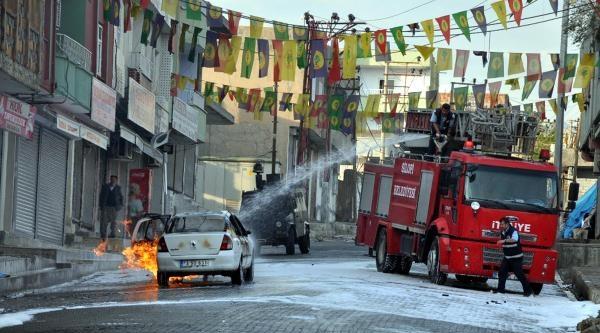 Silopi'de Otomobile Molotoflu Saldırı: 1'i Polis 3 Yaralı