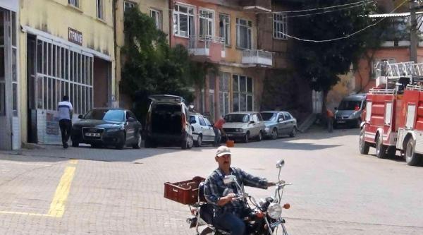 Simav'da 4.1'lik Deprem Korkuttu- Fotoğraflar