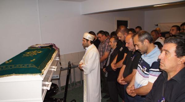 Sinem'in Cenazesi Kopenhag'dan Türkiye'ye Gönderildi