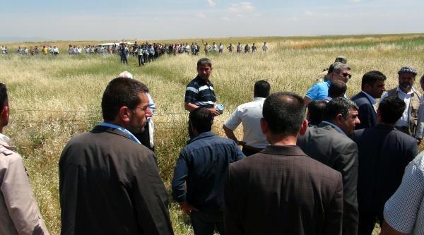 Sınırda Öldürülen Kadının Cesedi Suriyeli Akrabalarına Teslim Edildi