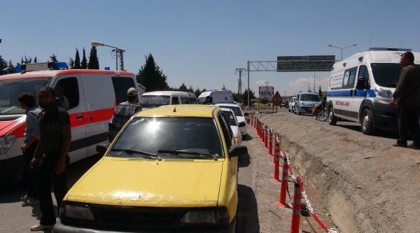 Sınırdaki Patlamada, Türkiye'ye Getirilen Yaralılardan 13'ü Öldü (2)