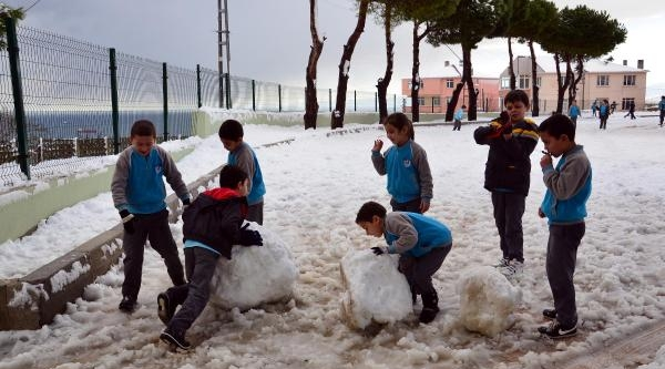 Sinop'ta 35 Köy Yolu Kardan Kapandi