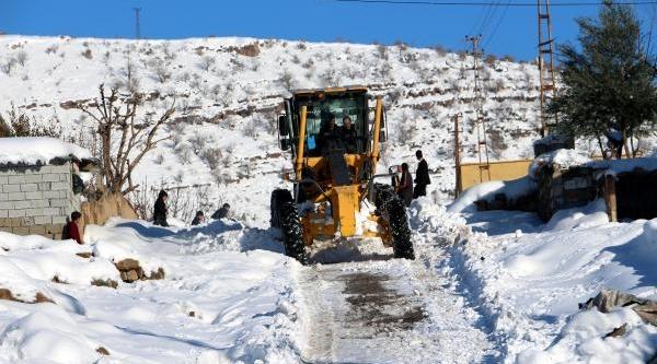Şirnak'ta 93 Köy Yolu Kapali