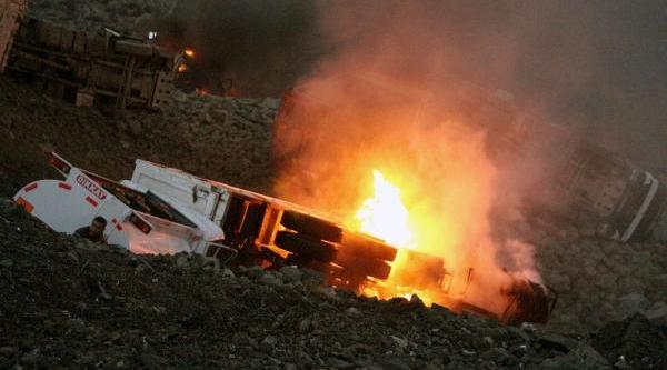 Şirnak'ta Araçlari Yakan Pkk'lilar Işçileri De Tehdit Etmiş