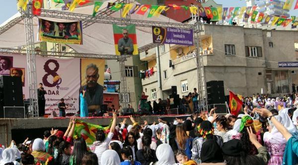 Şirnak'ta Kadınlardan Öcalan Fotoğraflı Kutlama