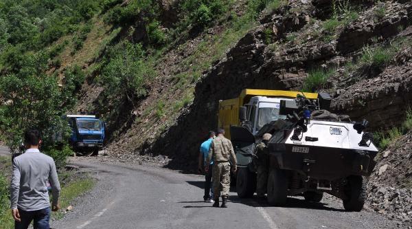 Şirnak'ta Mayın Patladı: 2 Şoför Yaralandı (fotoğraflar)