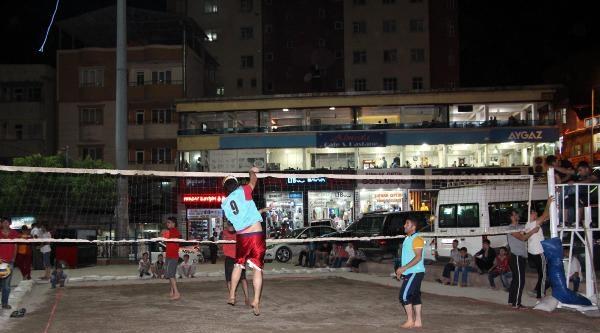 Şirnak'ta Plaj Voleybolu Turnuvası