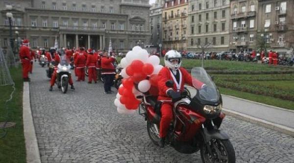 Sirp Motorcular, Noel Baba Oldu, Kimsesiz Çocuklara Yeni Yil Hediyesi Dağitti