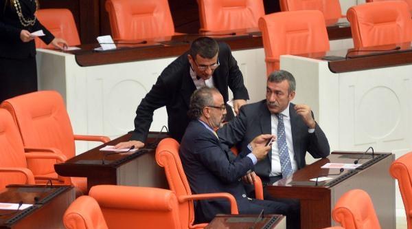 Sırrı Sakık Meclis'ten Çikarildi