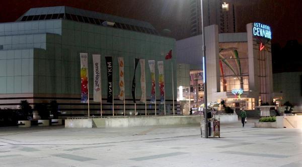 Şişli'de Alışveriş Merkezinde İntihar