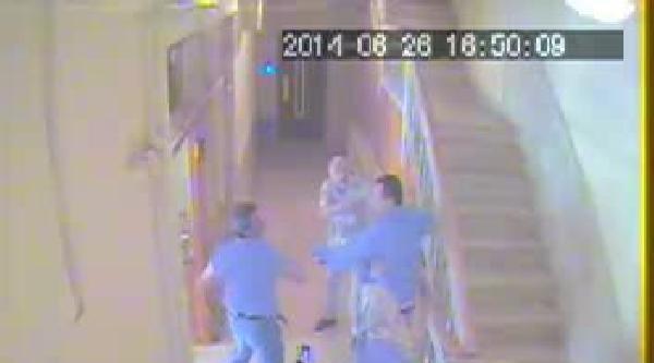 Sitedeki Komşu Kavgası Güvenlik Kamerasında