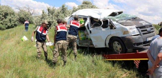 Sivas'ta feci kaza! 3 ölü, 2 yaralı