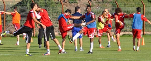 Sivasspor Çalişmalarini Sürdürdü