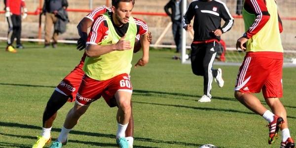 Sivasspor, Kayseri Erciyesspor Maçinin Hazirliklarina Başladi