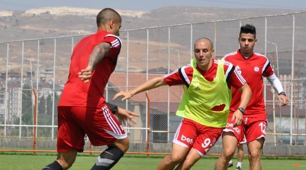 Sivasspor Soğuk Su Havuzunda Serinledi