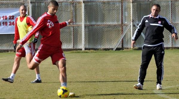Sivasspor Teknik Direktörü Carlos: