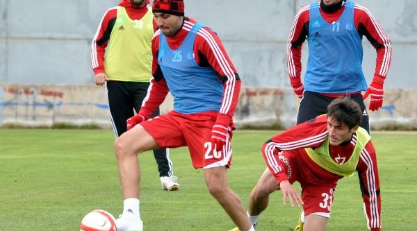 Sivasspor Teknik Direktörü Carlos'tan Futbolculara Uyari