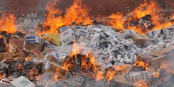 Sivas'ta 387 Bin Paket Kaçak Sigara Yakildi