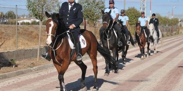 Sivas'ta Atli Polis Grup Amirliği Kuruldu