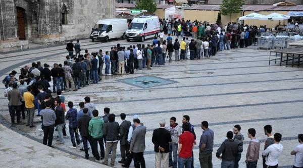 Sivas'ta İftar Çadirina Yoğun İlgi