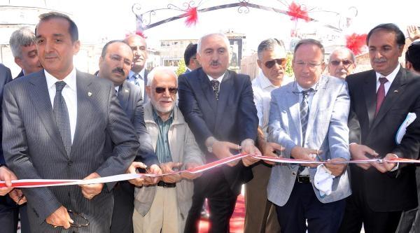 Sivas'ta Kitap Fuarı Açıldı