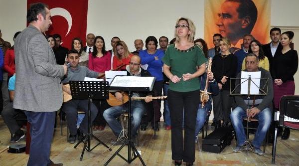 Sivas'ta Öğretmenler Korosu Konsere Hazirlaniyor