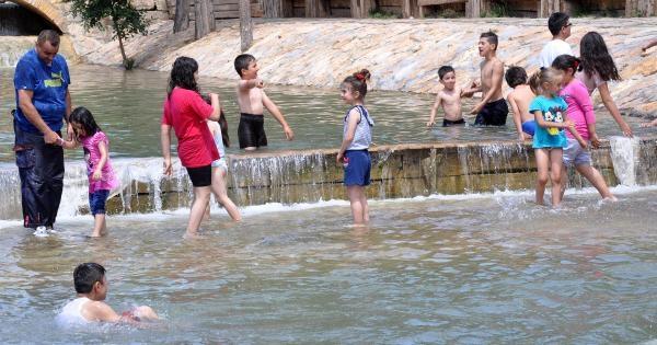 Sivas'ta Sıcak Hava Bunalttı