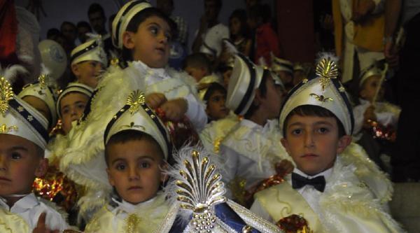 Sivas'ta Toplu Sünnet Şöleni