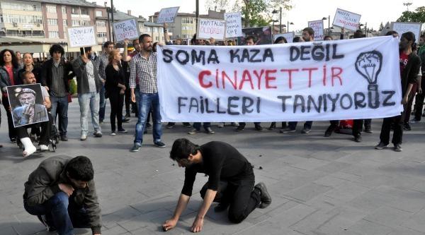 Sivas'ta Üniversite Öğrencilerinden 'soma' Eylemi