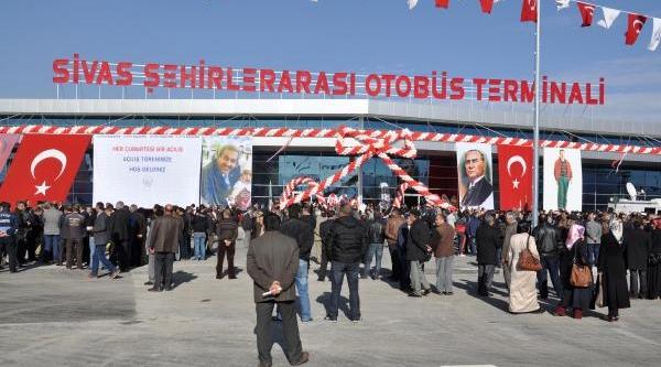 Sivas'ta Yeni Terminal Binasi Hizmete Açildi