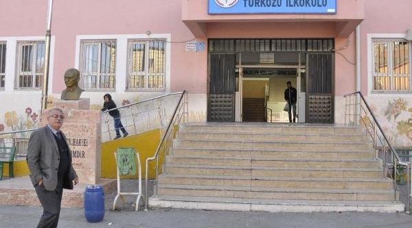 Siverek'te Ortaokul Öğrencisi Intihar Etti