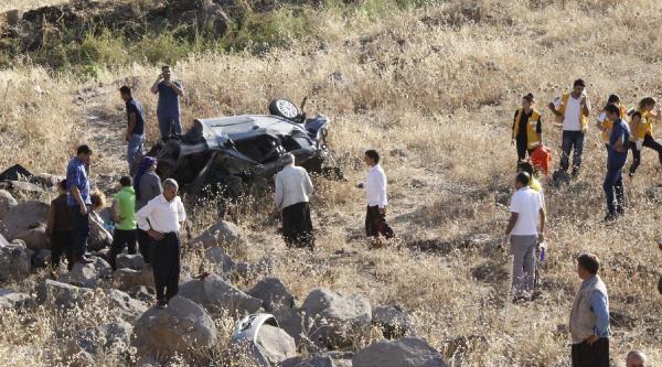 Siverek'te Otomobil Devrildi: 4 Ölü (2)
