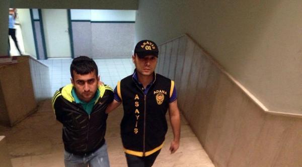 Sivil Polislerin Yanında Hırsızlık Yaptığını Anlatınca Yakalandı