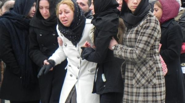 Şofben Faciasinda Ölen Gülben'in Sinifinda Hüzün Ve Gözyaşi (2)