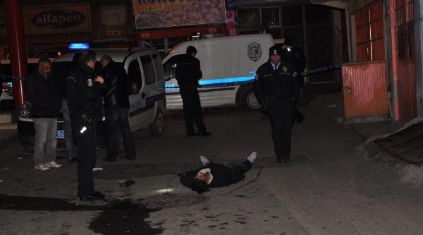 Sokak Ortasinda Öldürüldü