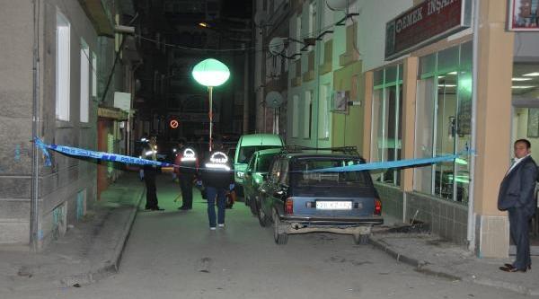Sokakta El Bombasi Patladi