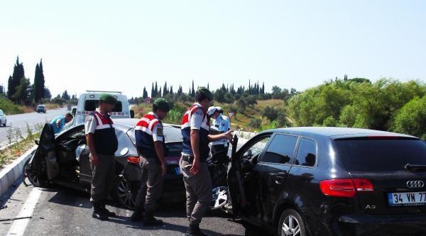 Söke'de İki Otomobil Çarpişti: 6 Yaralı