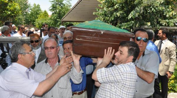 Soma Faciası Kurbanı Torununun Yanına Defnedildi