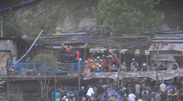 Soma'da 201 Şehit, Yüzden Fazla Madenci Mahsur (2)