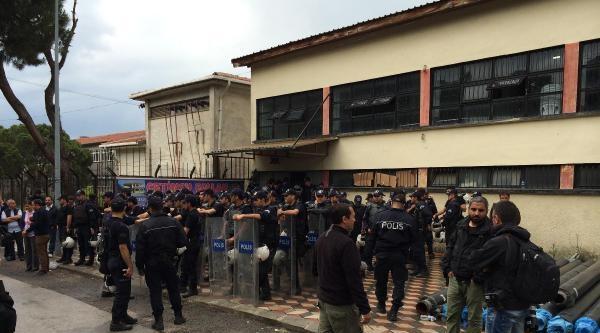 Soma'da Avukatlar Kelepçelenip Gözaltına Alındı (2)