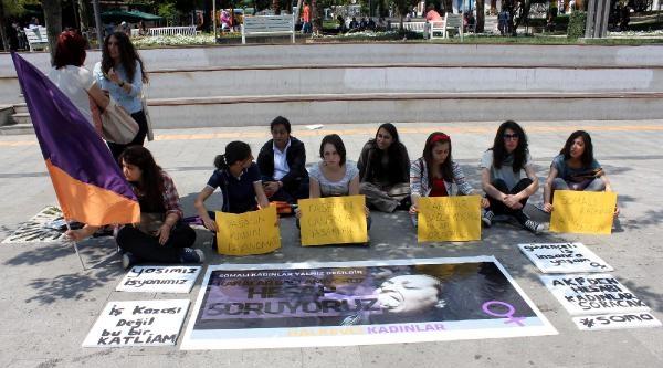 Soma'da Eşlerini Kaybeden Kadınlar İçin Oturma Eylemi Yaptılar