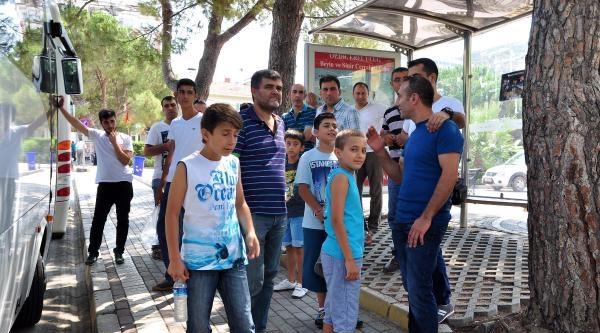 Soma'da Madenci Yakınlarının Maç Heyecanı