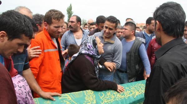 Soma'da Madende Ölen Tuncay Şahin Toprağa Verildi