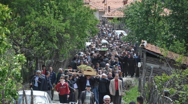 Soma'da Ölen 7 Madenci Kütahya'da Toprağa Verildi