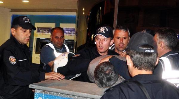 Soma'da Yürüyüşe Polis Müdahalesi: 4 Yaralı, 5 Gözaltı (2)