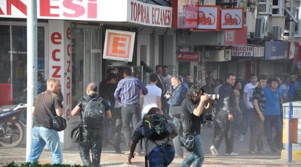 Soma'da Yürüyüşe Polis Müdahalesi: 4 Yaralı, 5 Gözaltı - Yeniden