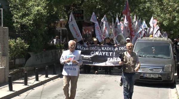 Soma'daki Maden Faciasına Levent'teki Şirket Binası Önünde Protesto
