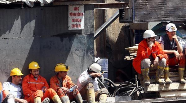 Somalı Aileler İkinci Madenden Gelecek Haberleri Bekliyor / Ek Fotoğraflar